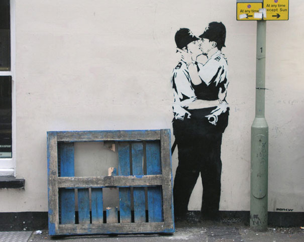 you-are-not-banksy-nick-stern-kissing-coppers-2