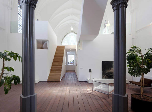 Church Converted Into Modern Family Home (3)