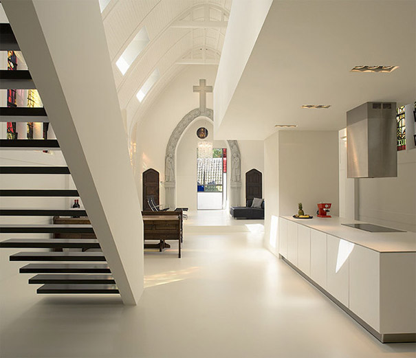 Church Converted Into Modern Family Home (4)