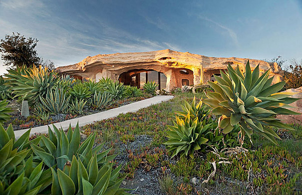 Dick Clark's Flintstones Inspired Home (1)