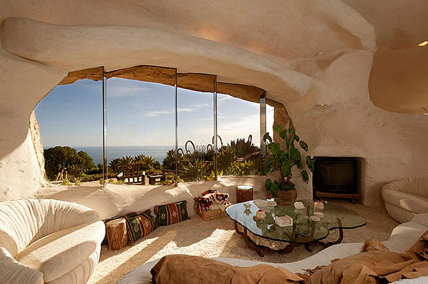 Dick Clark's Flintstones Inspired Home (2)