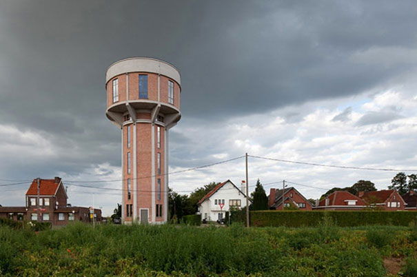 Old Water Tower Turned Into Modern Home (1)