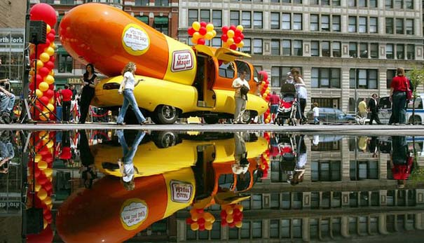 Oscar Mayer Wienermobile Kicks Off Summer Tour