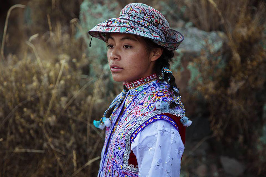different-countries-women-portrait-photography-michaela-noroc-1-Colca-Valley-Peru